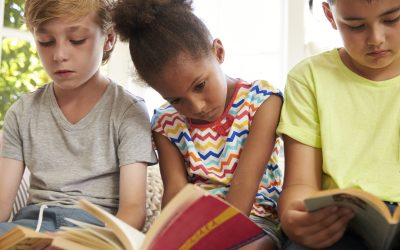 Children who struggle with reading should be screened for hearing problems: Study